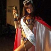 Reina 2004 - Julia Papa - Reina del Carnaval del País